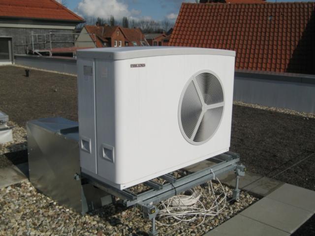 Stiebel Inverter-Luft/Wasser-Wärmepumpe WPL 25 AC